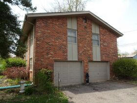BRICK HOME - 3 BEDROOMS - 3 BATHROOMS - BASEMENT - Online Bidding Only - Ends TUE, MAY 4 @ 4:00 PM EDT featured photo 10