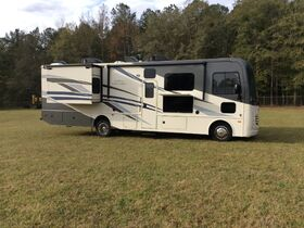 5th Wheel Camper, Motor Homes, Clean Room, Car and Truck Auction featured photo 6