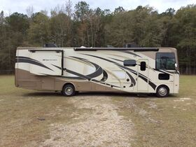 5th Wheel Camper, Motor Homes, Clean Room, Car and Truck Auction featured photo 7