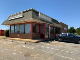 Turnkey Restaurant Opportunity | Great Location featured photo 1