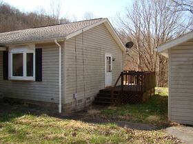 Three Bedroom Home with Big Shop Near Stonewall Jackson Lake featured photo 3