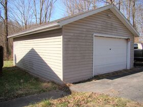 Three Bedroom Home with Big Shop Near Stonewall Jackson Lake featured photo 5