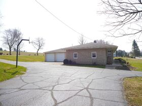 Absolute Ranch Home near Winesburg on 0.97 Acre featured photo 4