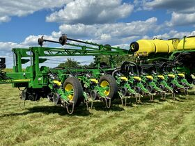 Parks Estate Quality Late Model Farm Equipment Online Only Auction (1/2) featured photo 9