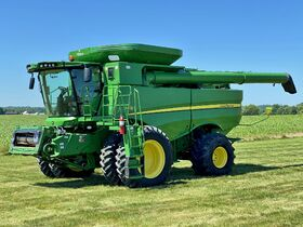 Parks Estate Quality Late Model Farm Equipment Online Only Auction (1/2) featured photo 5