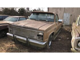 Estate Auction:  Tractors, Vintage Vehicles, Trailers, Tools & More featured photo 8