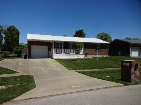 BRICK HOME with 3 BEDROOMS / 2 BATHS - Online Bidding Only Ends TUE, JUNE 15 @ 4:00 PM EDT featured photo 1