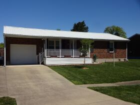 BRICK HOME with 3 BEDROOMS / 2 BATHS - Online Bidding Only Ends TUE, JUNE 15 @ 4:00 PM EDT featured photo 2
