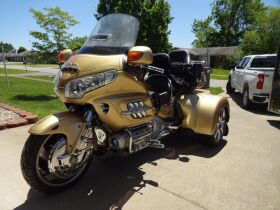 CUSTOM 2006 HONDA GOLDWING TRIKE - APPLIANCES - FURNITURE - HOME GOODS - Online Bidding Only Ends TUE, JUNE 15 @ 5:00 PM EDT featured photo 1