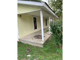 "AUCTION CANCELED - ONLINE AUCTION featuring ""Handyman Special"" 4 Room Home featured photo 7"