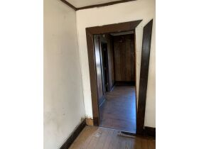"AUCTION CANCELED - ONLINE AUCTION featuring ""Handyman Special"" 4 Room Home featured photo 10"