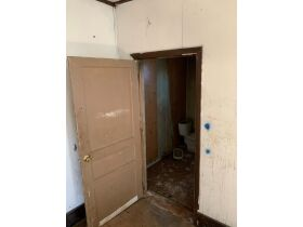 "AUCTION CANCELED - ONLINE AUCTION featuring ""Handyman Special"" 4 Room Home featured photo 11"