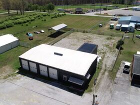 ONLINE AUCTION featuring 2880+/- Sq. Ft. Commercial Building with Large Shop Area - Multiple Possibilities featured photo 3