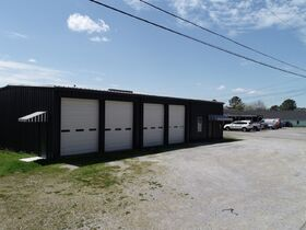 ONLINE AUCTION featuring 2880+/- Sq. Ft. Commercial Building with Large Shop Area - Multiple Possibilities featured photo 4