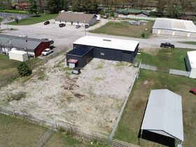 ONLINE AUCTION featuring 2880+/- Sq. Ft. Commercial Building with Large Shop Area - Multiple Possibilities featured photo 6