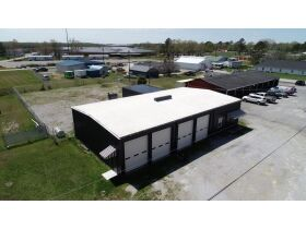 ONLINE AUCTION featuring 2880+/- Sq. Ft. Commercial Building with Large Shop Area - Multiple Possibilities featured photo 5