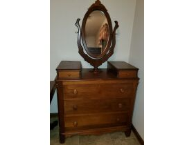 Antiques and Arts Online Auction featured photo 7
