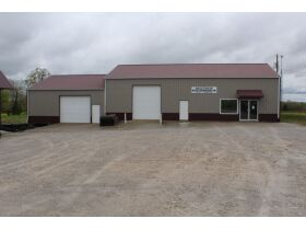 3600 SQ. FT. COMMERCIAL BUILDING ON 1 ACRE - Online Bidding Only Ends Thurs. May 27th @ 3:00 PM CDT featured photo 1