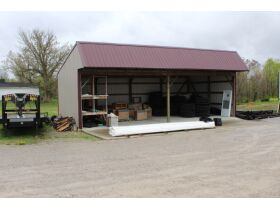 3600 SQ. FT. COMMERCIAL BUILDING ON 1 ACRE - Online Bidding Only Ends Thurs. May 27th @ 3:00 PM CDT featured photo 2