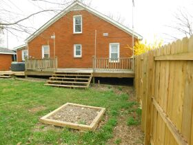 BARREN COUNTY BRICK HOME AND BUILDING SITE SELLING IN TWO TRACTS featured photo 5
