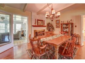 3 Bed | 3 Bath | Pool  RESERVE MET SELLING TO HIGHEST BIDDER featured photo 7