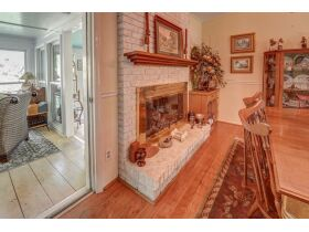 3 Bed | 3 Bath | Pool  RESERVE MET SELLING TO HIGHEST BIDDER featured photo 8