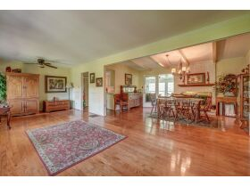 3 Bed | 3 Bath | Pool  RESERVE MET SELLING TO HIGHEST BIDDER featured photo 12