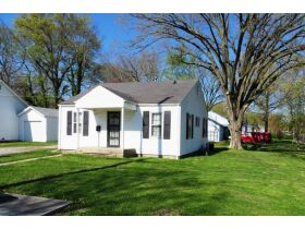 Affordable Home Near W. Blvd, Sells To High Bidder - 607 Ridgeway Ave., Columbia, MO featured photo 3