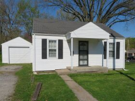 Affordable Home Near W. Blvd, Sells To High Bidder - 607 Ridgeway Ave., Columbia, MO featured photo 4