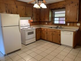 Well Maintained Duplex in Bellwood Subdivision - 2 Bedroom, 1 Bath on Each Side - Auction May 18th featured photo 10