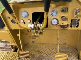 Komatsu D31P-17 Dozer featured photo 5