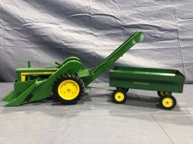 Ruegsegger Estate & Dobson Collection Farm Toy Auction featured photo 9