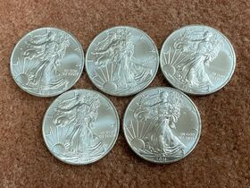 400- UNCIRCULATED 2011 US Silver Eagle Coins featured photo 1