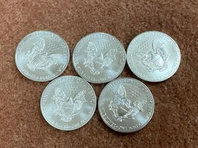 400- UNCIRCULATED 2011 US Silver Eagle Coins featured photo 2