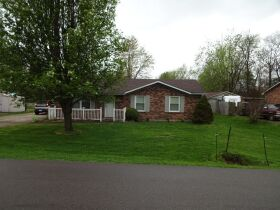 BRICK RANCH STYLE HOME - Online Bidding Only Ends TUE, JUNE 29 @ 4:00 PM EDT featured photo 4