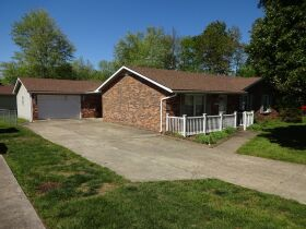 BRICK RANCH STYLE HOME - Online Bidding Only Ends TUE, JUNE 29 @ 4:00 PM EDT featured photo 2
