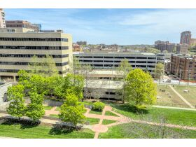 Rare 3 Bed Condo With Plaza Views Court Ordered Auction featured photo 9