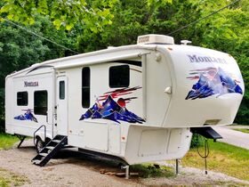Recreational Vehicles Online Only Auction featured photo 2