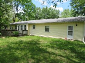 Home & Vacant Lot Auction - 208 Boone Ct., Hallsville, MO featured photo 5