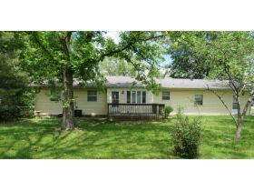 Home & Vacant Lot Auction - 208 Boone Ct., Hallsville, MO featured photo 6