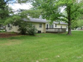 Home & Vacant Lot Auction - 208 Boone Ct., Hallsville, MO featured photo 7