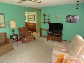 Home & Vacant Lot Auction - 208 Boone Ct., Hallsville, MO featured photo 9