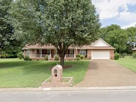 4 BR, 3 BA Home with Sunroom and Office in Haynes Haven Subdivision - Auction June 10th featured photo 3