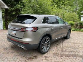 Like New | 2019 Lincoln Nautilus | Very Low Mileage featured photo 10