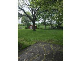 BRICK RANCH HOME ON LARGE LOT IDA HUTCHISON ESTATE WADDY, KY featured photo 4