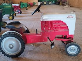 Van Merchant Personal Property and Farm Toys featured photo 8