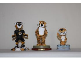 Extensive Watch Collection, Tons of Mizzou Collectibles, Vintage Radios, Antiques & So Much More! featured photo 12