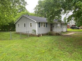 Handyman Special - 2 Bedroom, 1 Bath Home in Downtown Smyrna - Auction June 17th featured photo 3