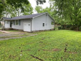 Handyman Special - 2 Bedroom, 1 Bath Home in Downtown Smyrna - Auction June 17th featured photo 4