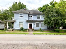 SELLING ABSOLUTE! Handyman Special 8-Unit Apartment Complex - Walk to MTSU and the Square! Auction June 10th featured photo 3
